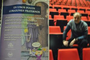 El poeta Francisco Acuyo, tras el libro solidario que ha impulsado.