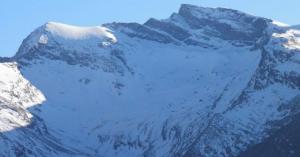 Vista de la cara norte del Veleta, con el cerro de los Machos a la izquierda, en una imagen tomada este miércoles.