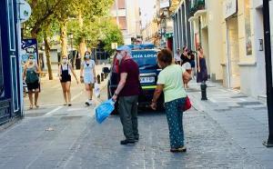 Peatones caminan entre Mesones y Plaza de Trinidad.
