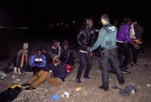 Los migrantes fueron detenidos por la Guardia Civil.