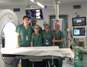 Equipo de la Unidad de Neurocirugía del Virgen de las Nieves.