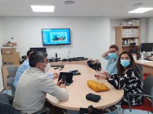 Profesionales de Neumología durante la sesión.