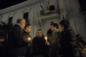 El acto se ha celebrado a las puertas del Ayuntamiento de Granada.