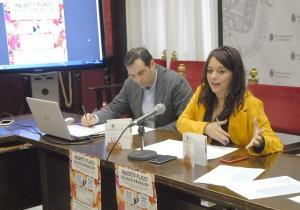 La concejal Jemi Sánchez informa de escolarización en las escuelas municipales.