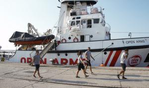 El Open Arms ya está atracado en el Puerto de Motril.