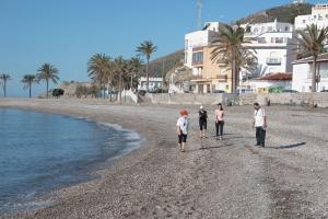 Paseos por la playa en Castell de Ferro.