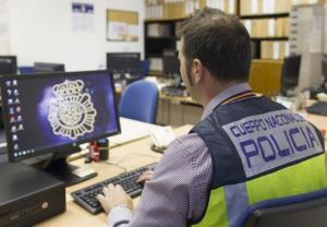 Los agentes han rastreado diferentes servidores de Internet.