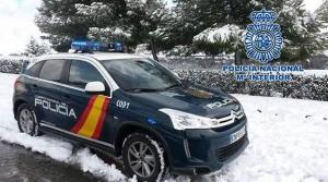 La Policía localizó a los senderistas en un camino forestal.