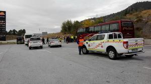 El autobús que los transportaba se averió a la altura de Huétor Santillán.