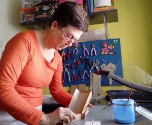 María Jesús, en su taller.