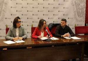 Miembros del PP, en rueda de prensa.