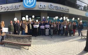 Acto del PP por el 25N a las puertas de la sede provincial.