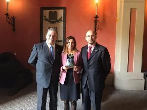Eduardo Torres con Antonio Mir y Silvia Diéguez.