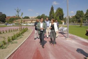 El alcalde y la delegada del Gobierno, en el Parque del PTS.