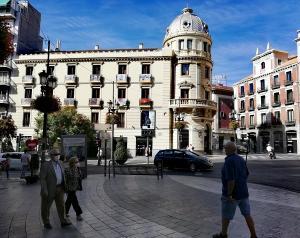 Puerta Real, en la capital granadina.