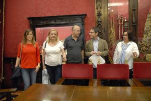Miguel Ángel Madrid, junto a represe tan tes de las asociaciones.