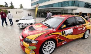 Algunos de los coches, expuestos para la presentación del evento.