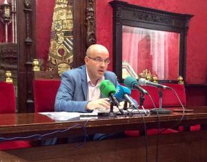 Raúl Fernández, en rueda de prensa.