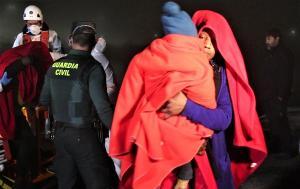 En la jornada de ayer fueron rescatadas 85 personas, entre ellas varios menores.