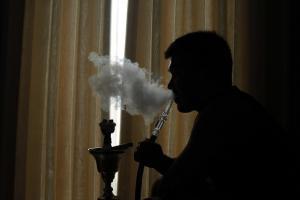 Fumar en cachimba produce mucho más alquitrán.