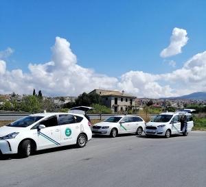 Los taxistas de Monachil recogen a domicilio las máscaras para entregarlas a los hospitales.