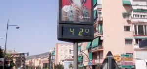 Termómetro en la avenida de Dílar, en el Zaidín, poco antes de las 17.00 h. de este miércoles.