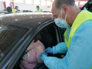 Detalle de la vacunación a docentes, este lunes en Fermasa.
