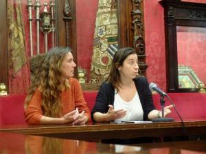 Las concejalas Marta Gutiérrez y Pilar Rivas.