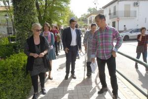 Vecinos de Bobadilla, con el alcalde.