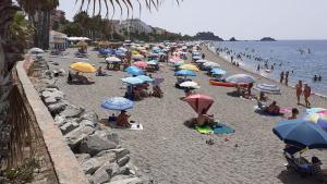Playa de San Cristóbal, en la zona frente Chinasol.