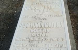Tumba del abuelo de Tico Medina.