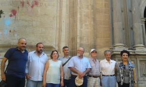 Participantes del acto reivindicativo de 'Granada abierta'.