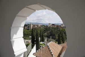 La Alhambra desde la Mezquita Mayor.