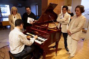 Diego Ares ha adelantado en la presentación una de las piezas que interpretará en el concierto.
