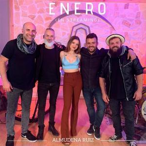 Almudena Ruiz y su banda.