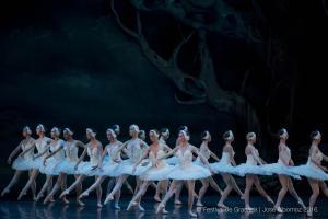 Actuación del Ballet de Praga.