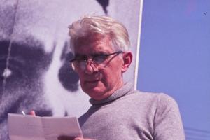 Blas de Otero, en una imagen de su participación en el primer homenaje a Federico en 1976.