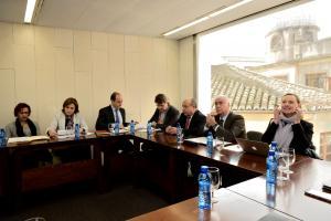 Representantes de las instituciones que integran el consorcio, en una reunión.