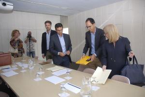 El alcalde en la última reunión del Centro Lorca.