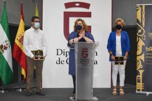 Fátima Gómez con Óscar Musso y Marina Martín.
