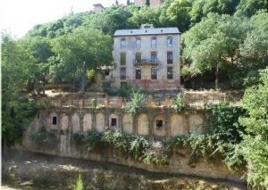 Hotel Reuma, al pie de la Alhambra.