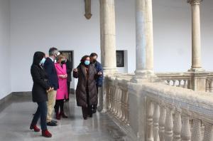 Sandra García y la rectora Pilar Aranda, entre otras autoridades.