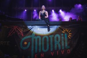 India Martínez, durante el concierto en Motril.