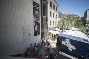 Imagen de archivo de la llegada de los primeros fondos del legado a Granada.