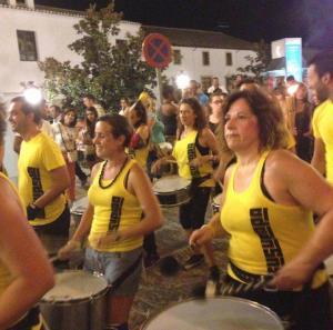 Batucada por las calles de Montefrío.