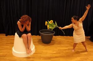 Laura Hidalgo y Mercedes Abellán, las intérpretes.