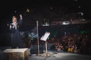 Niña Pastori sobre el escenario de Motril en Vivo.