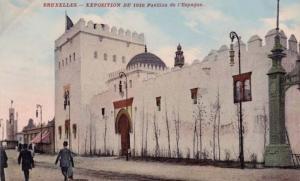 Especie de fortaleza que encerraba una Alhambra en su interior, en la exposición de Bruselas 1910, diseñada por Modesto Cendoya.