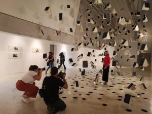 La artista, en la presentación de la expoición.