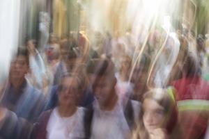 """""""Hoy, lo que me parece romántico es un paso de peatones de Madrid, de Granada o de cualquier ciudad, repleto de personas con los rostros descubiertos""""."""